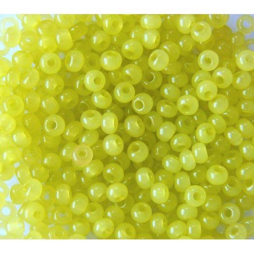 02153 Бисер полупрозрачный натуральный светло-салатовый Бисер Preciosa