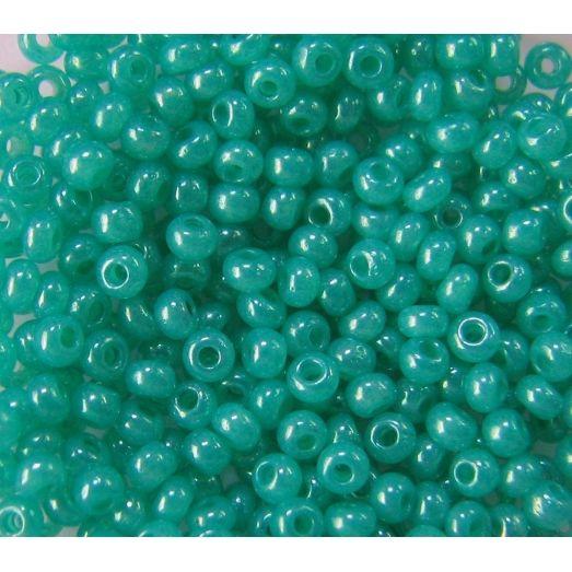 17358 Бисер непрозрачный глянец зеленый