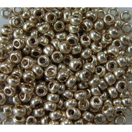 18113 Бисер непрозрачный светлый бронзовый металлик