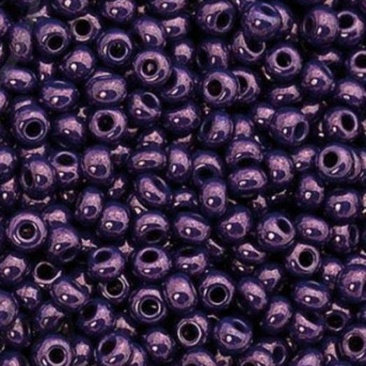 33062 Бисер Preciosa натуральный фиолетово-сиреневый непрозрачный