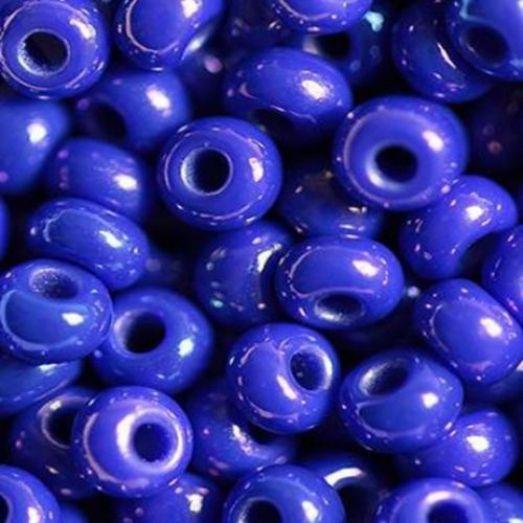 34050 Бисер Preciosa синий радужный непрозрачный