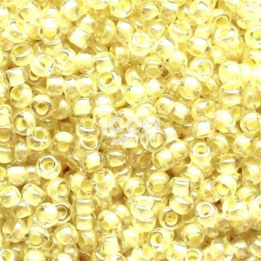 38181 Бисер Preciosa стеклянный со светло-жёлтым прокрасом глазурь