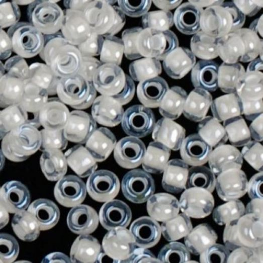 38602 Бисер Preciosa стеклянный с белым прокрасом глазурь терра