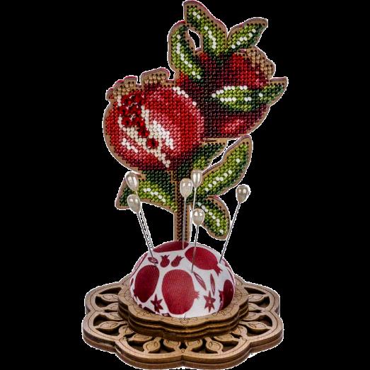 FLK-287 Игольница Набор для вышивания бисером по дереву Волшебная Страна