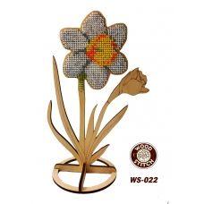 WS-021 Нарцисс на подставке. Набор для вышивки WoodStitch
